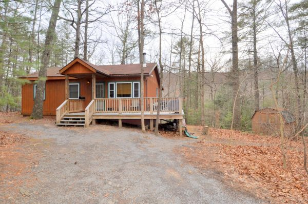 Cabin At Sleepy Creek rental home at Berkeley Springs Cottage Rentals in Berkeley Springs West Virginia