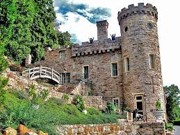 Berkeley Springs Castle